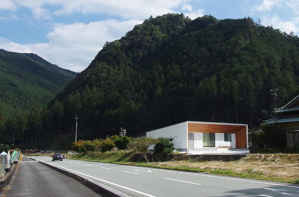 飯高の住宅